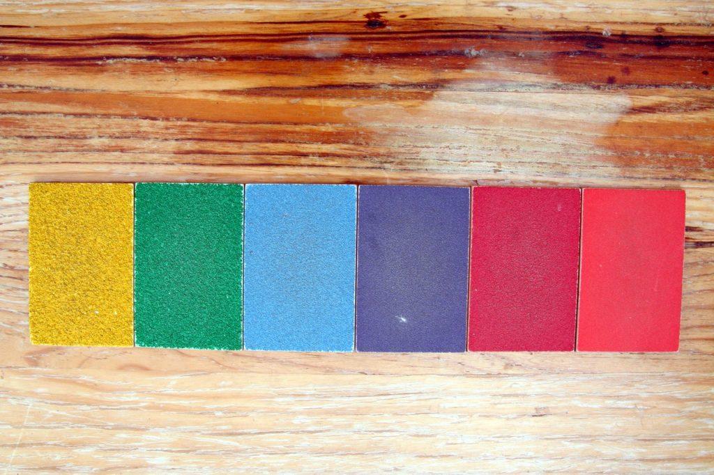 tablettes rugeuses Montessori